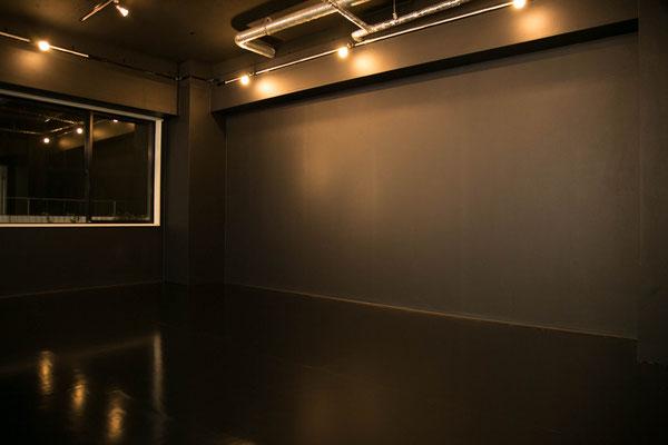 秋葉原 スタジオキチサ Whiteブース 撮影例3 白 ホワイトスタジオキチサ STUDIO KICHIS@ BLACKブース 黒 ブラック 1