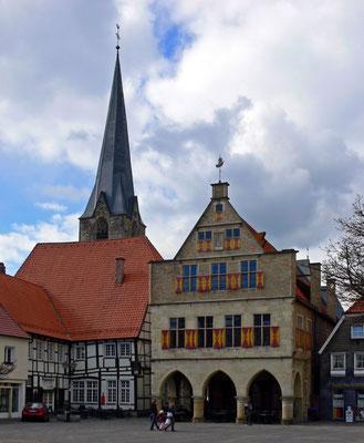 Das historische Rathaus wurde in der Zeit von 1512 bis 1561 erbaut.