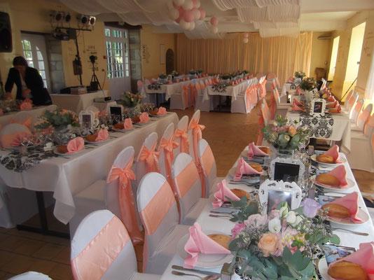 MARIAGE DANET TRAITEUR - Décor de tables et présentation de salle