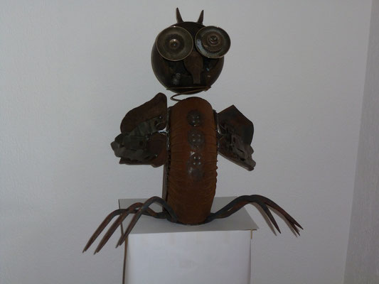 Entstehung komischer Kauz  Masse: H:67cm (verkauft)