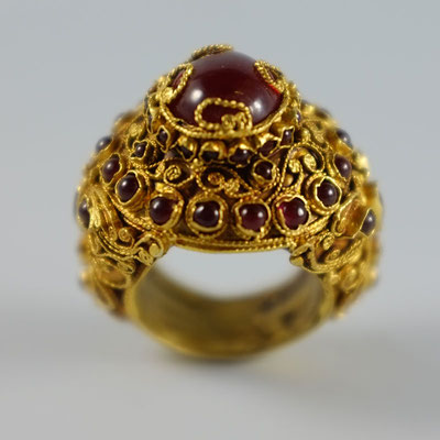 Ring 20 kt Gold, Siam