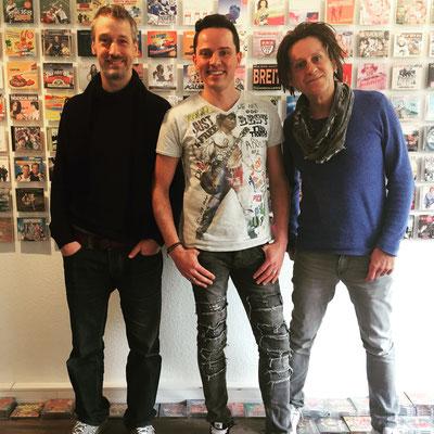 Tom Juno mit Produzententeam Mike Rötgens und Hartmut Wessling (Xtreme Sound)