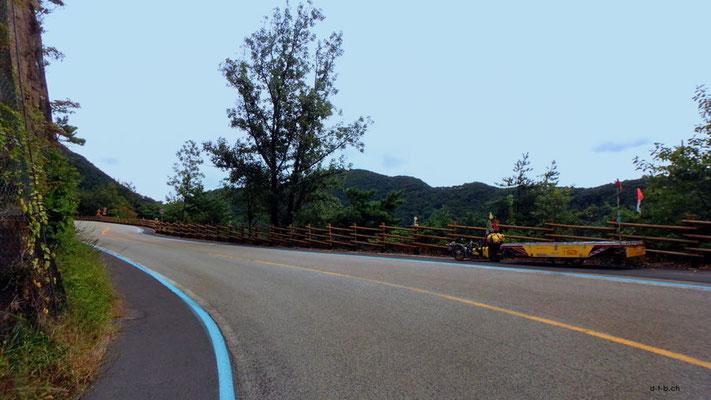 KR: Solatrike auf Bergpass