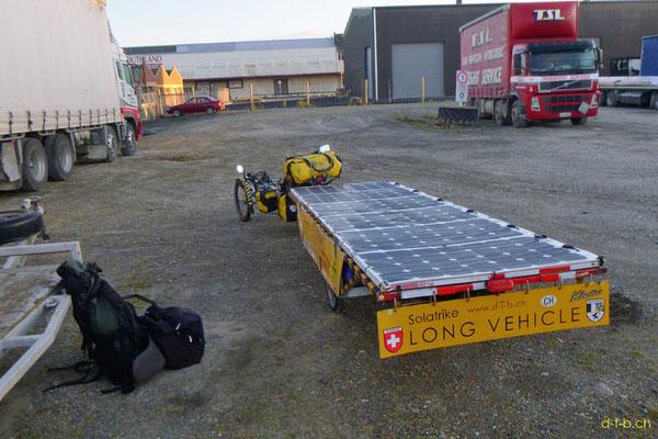 NZ: Solatrike wird verladen von Invercargill nach Chistchurch