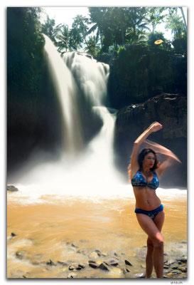 ID0117.Sukawati.Tegenungan Waterfall mit Model