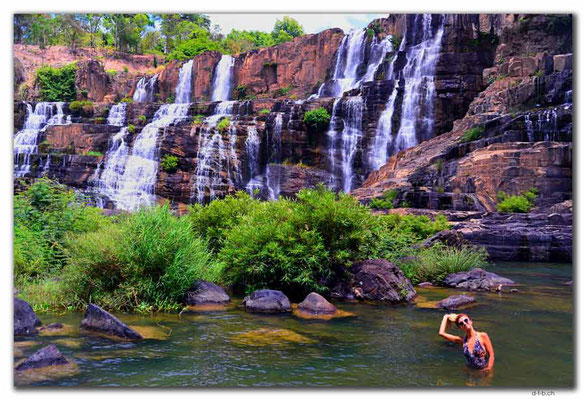 VN0325.Pongour Falls.Alena Mazo