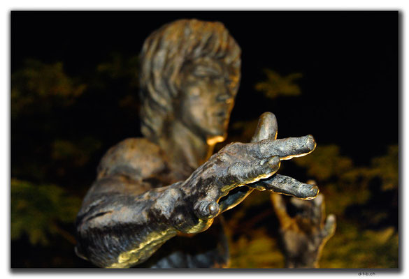 HK0004.Bruce Lee Statue