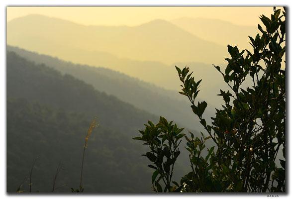HK0116.Bergkette am Abend