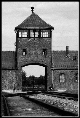 PL051.Birkenau.Eingangspforte