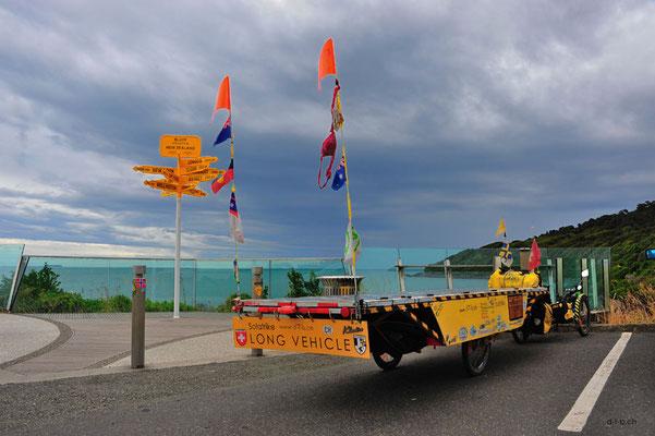 NZ: Solatrike in Bluff, bei Wegweiser