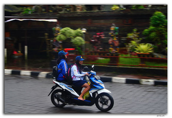 ID0211.Kintamani.Scooter