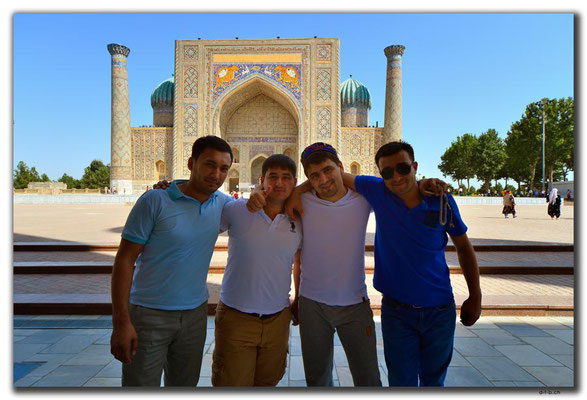 UZ0095.Samarkand.Registan.Usbeken