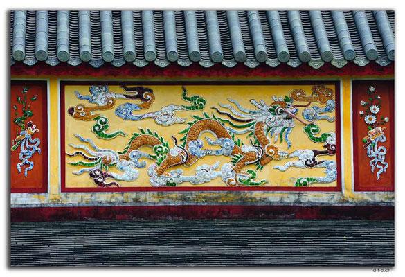 VN0157.Hue.Citadel.Halls of Mandarin