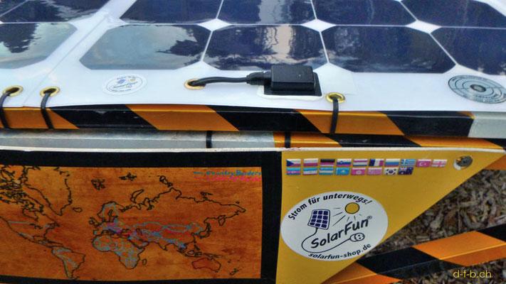 AU: Solatrike mit neuen Solarmodulen. Kabel ist nun durch das Modul geführt.
