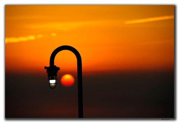 CN0407.Fähre.Sonnenuntergang