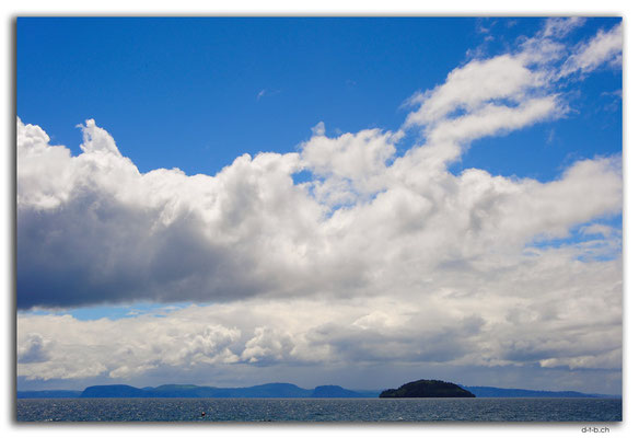 NZ0284.Lake Taupo