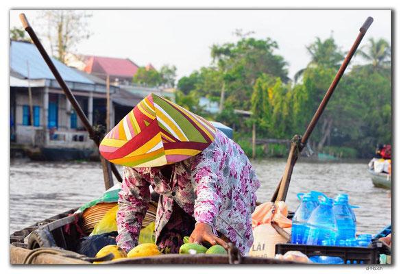VN0369.Phong Dien.Floating Market