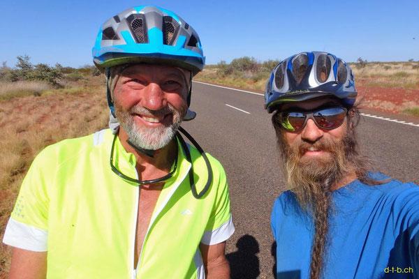 AU: Bob aus Tasmanien auf dem Rad trifft Solatrike