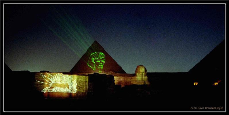 EG022.Pyramidenshow.Gizeh