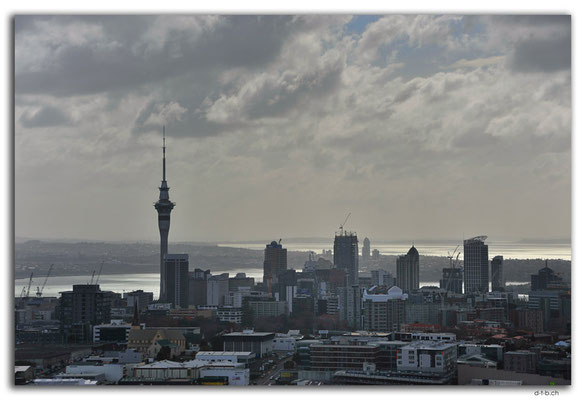 NZ0016.Auckland.Skytower.View from Mt.Eden