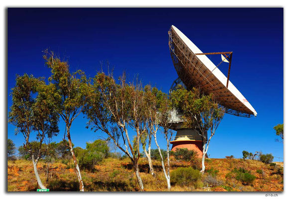 AU0401.Carnarvon,Old Tracking Antenna for Apollo Mission