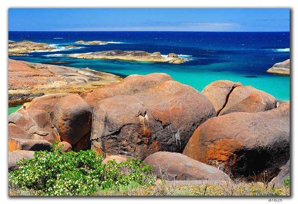 AU0803.Elephant Rocks