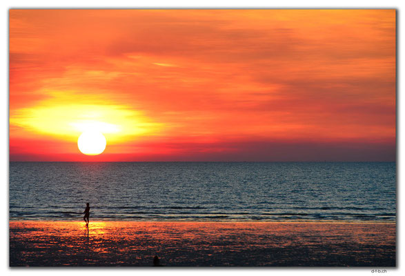 AU0063.Darwin.Mindil Beach