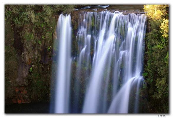 NZ0350.Omaru Falls