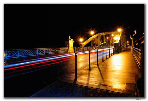 HU005.Esztergom.Brücke