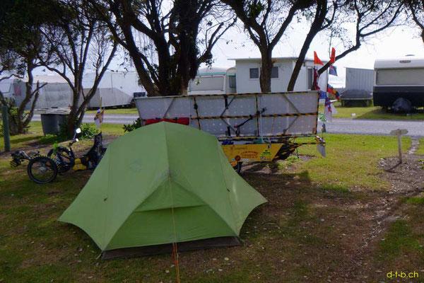 NZ: Solatrike im Camping Awakino