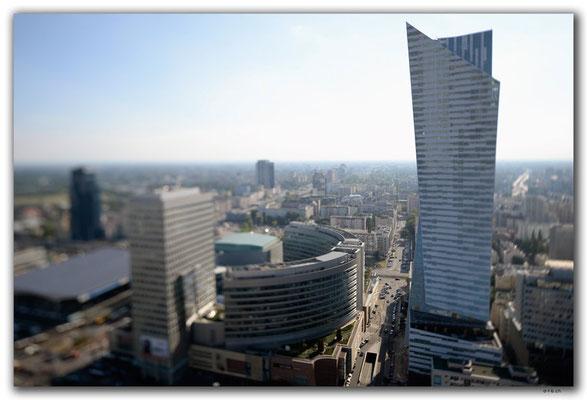 PL149.Warschau.Hochhaus