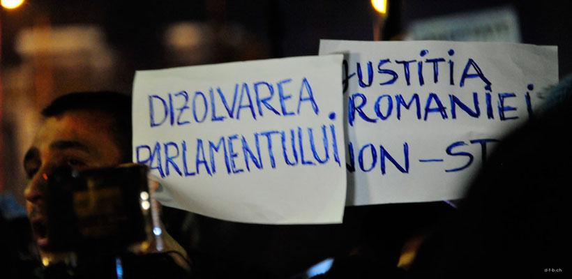 ROB019.Bukarest.Demonstration