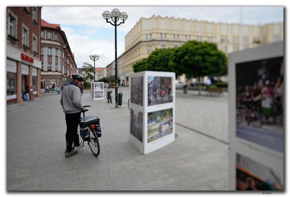 CZ085.Hradec Kralové.Fotoausstellung Velo