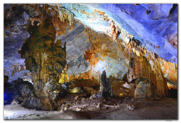 VN0097.Phong Nha.Paradise Cave