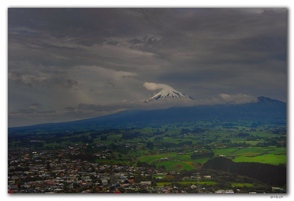 NZ0380.New Plymouth.Mt.Taranaki