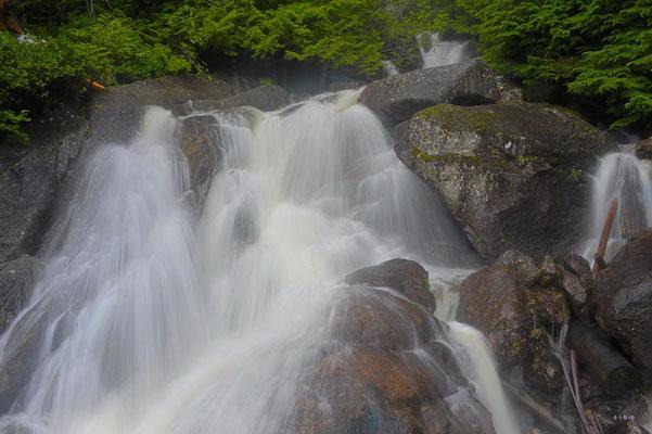 CA0141 Squamish Oleson Creekfalls