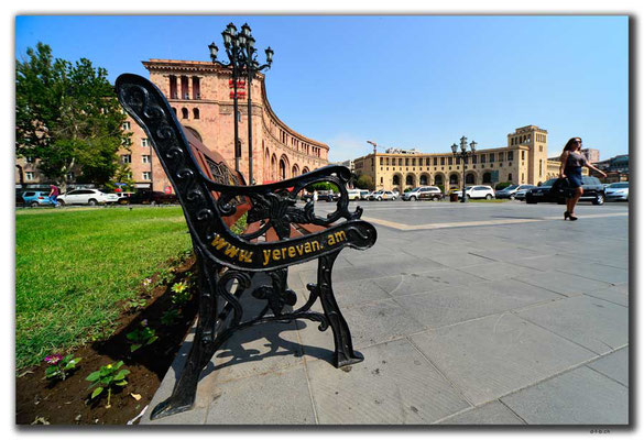 AM053.Yerevan.Platz der Republik