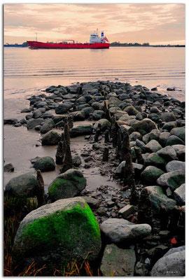 DE213.Hamburg.Frachtschiff