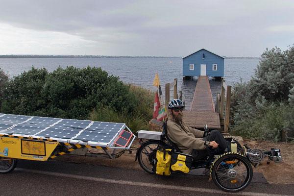 AU: Perth at the Blue Boat House (Photo: Tom Hogarth)