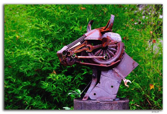 AU1469.Nowa Nowa.Bull Sculpture