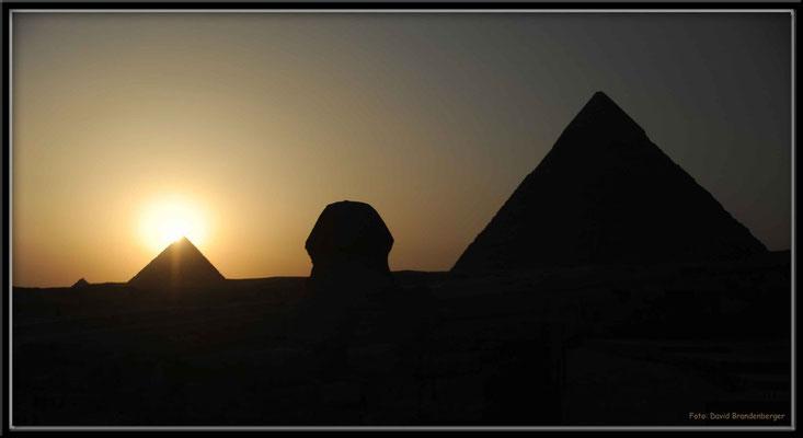EG014.Pyramiden und Sphinx.Gizeh