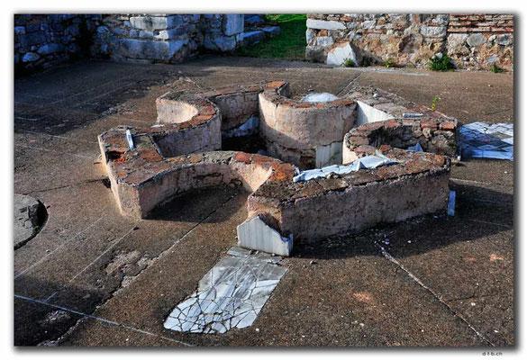 GR0035.Philippi.Brunnen