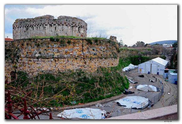 GR0648.Chios.UN-Zeltlager nach Wind