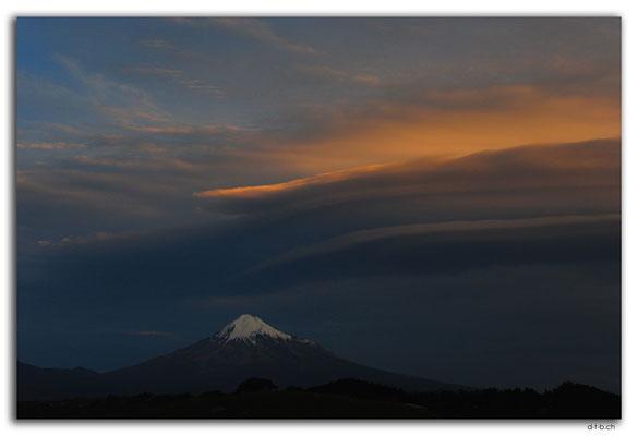 NZ0402.Mt.Taranaki view from Cape Egmont Boat Club