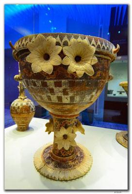 GR0533.AMI.Blumige Vase.Faistos