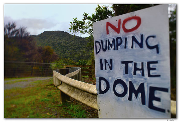 NZ0227.No Dumping in the Dome