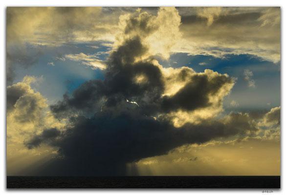 AU1262.Bass Strait.Wolken