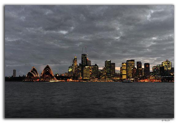 AU1677.Sydney.Opera House