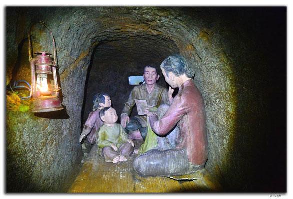 VN0146.Vinh Moc.Tunnel.Wohnzimmer