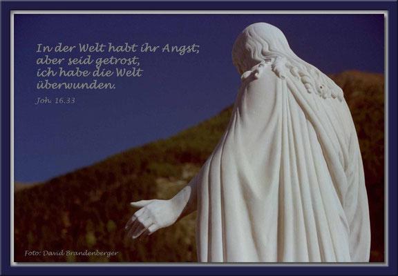 S0095.Statue.Müstair,CH.Johannes 16.33